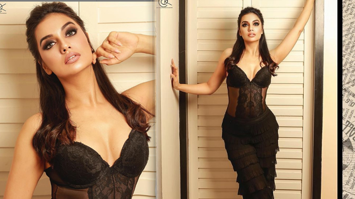 Actress Divya Agarwal Romantic Pics-telugu Actress Hot Photos Actress Divya Agarwal Romantic Pics - Telugu Glamorous Sp High Resolution Photo