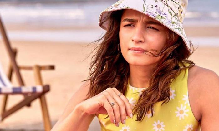Rrr Beauty As Producer For Star Hero Movie-TeluguStop.com