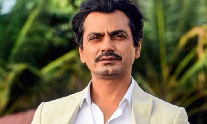 Nawazuddin Siddiqui Charge Single Rupee Manto Movie-TeluguStop.com