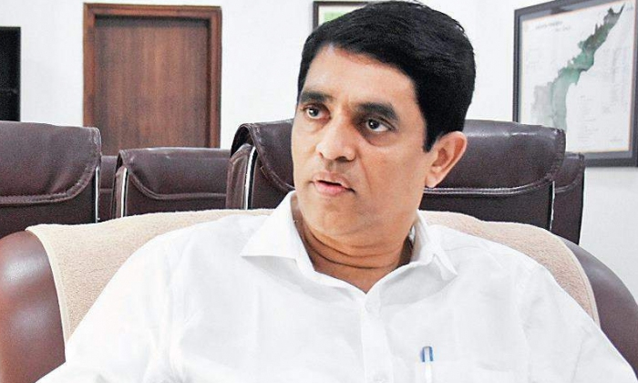 Airport Director Negligence Security Blocking Ap Finance Minister-TeluguStop.com