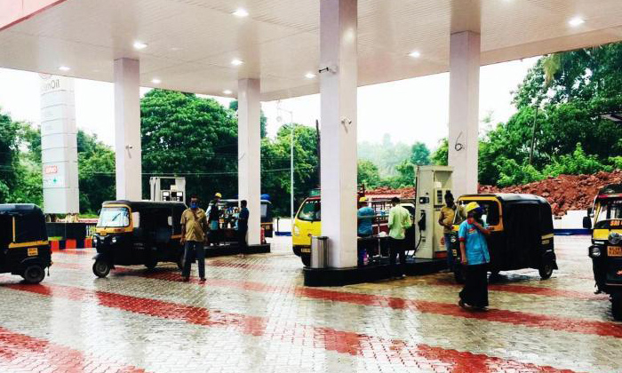 Free Petrol And Diesel For Autos For Two Days-TeluguStop.com