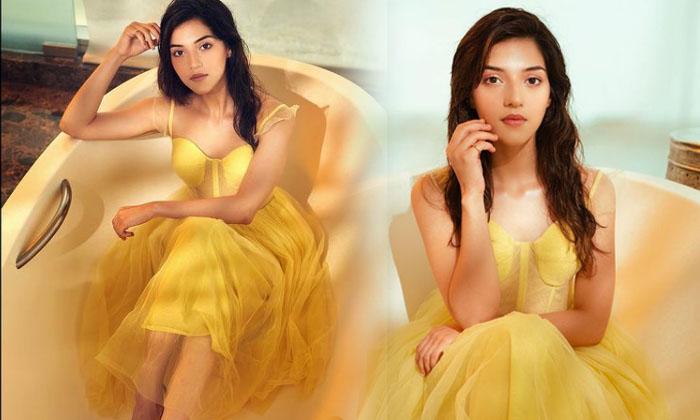 Glamorous Pictures Of Tollywood Actress Mehreen Pirzada-telugu Actress Hot Photos Glamorous Pictures Of Tollywood Actres High Resolution Photo