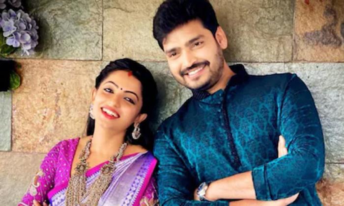 Netizen Comment On Relationship Navyaswamy With Breakup Ravikrishna-TeluguStop.com