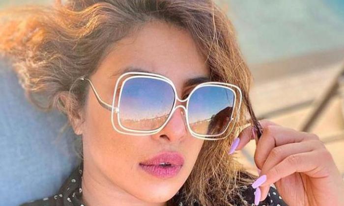Priyanka Chopra Is Questioning Me As A Bad Girl-TeluguStop.com