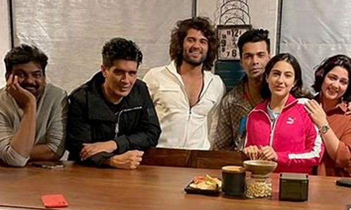 Puri Jagannadh Next Movie In Karan Johar Production-కరణ్ జోహార్ నిర్మాణంలో పూరి జగన్నాథ్ మరో పాన్ ఇండియా-Latest News - Telugu-Telugu Tollywood Photo Image-TeluguStop.com