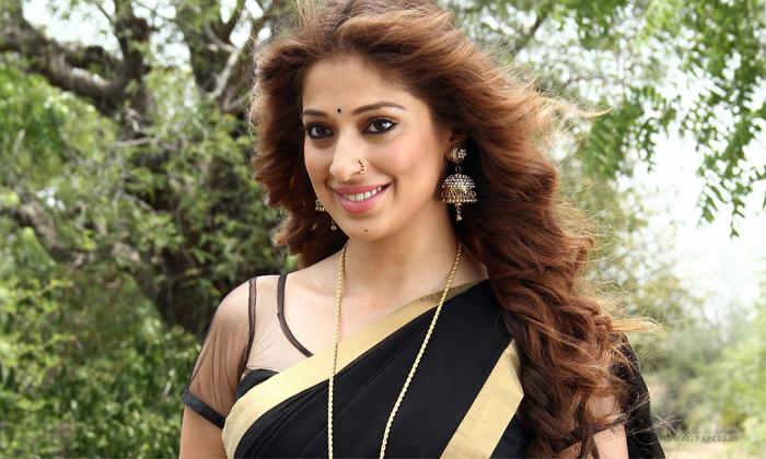 Actress Rai Lakshmi Special Item Song In Balakrishna Akhanda Movie-TeluguStop.com
