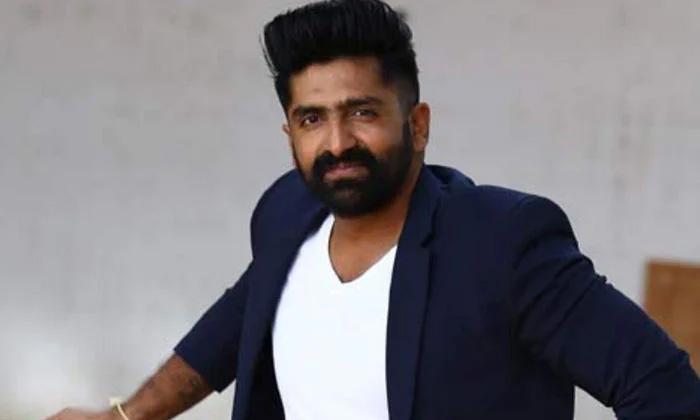 Sekhar Master Plan To Introduce As A Hero-TeluguStop.com