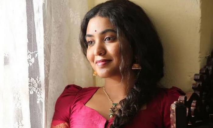 Telugu Jeevitha, Rajasekhar, Shivani Rajasekhar, Shivathmika, Tollywood-Movie