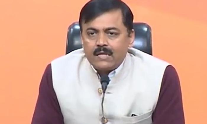 Somu Veeraaju Serious Comments On Jagan-TeluguStop.com