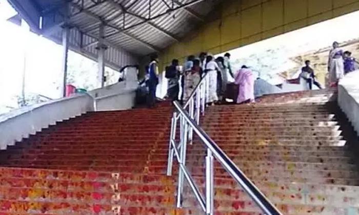 Stone Sankhu Chakras In Thirumala Srivari Mettu Went Missing-తిరుమలలో దొంగలు.. కలకలం రేపుతున్న రాతి శంఖుచక్రాల చోరి.. -Breaking/Featured News Slide-Telugu Tollywood Photo Image-TeluguStop.com