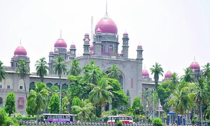 Telangana High Court Gives Shock To Etela In Devarayamjal Temple Lands Case-TeluguStop.com