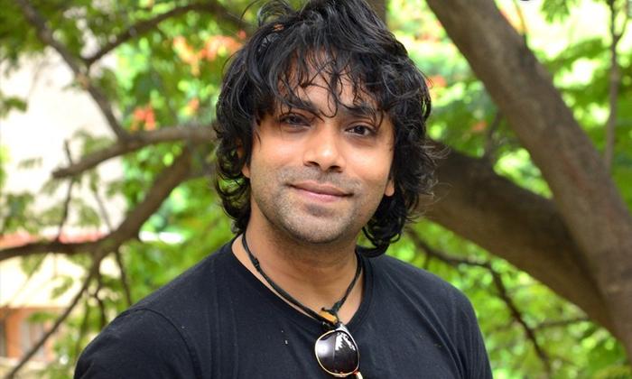 Telugu Hero Aditya Om Sensational Comments On Tollywood Movies-TeluguStop.com