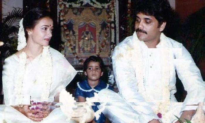Tollywood King Nagarjuna And Amala Marriage Is Very Simple-TeluguStop.com