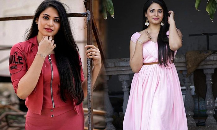 Tollywood Telivision Anchor Megganna Cute Candid Clicks - Telugu Megganna Alluring Pictures Beautiful Images Bra Size G High Resolution Photo