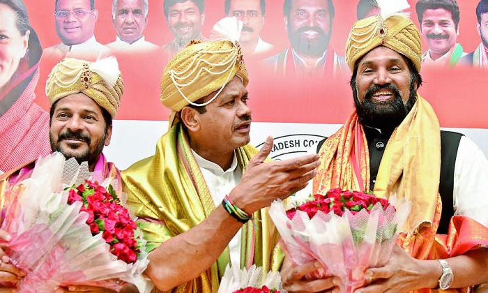 Congress Led Efforts To Appoint A New President For Telangana-TeluguStop.com