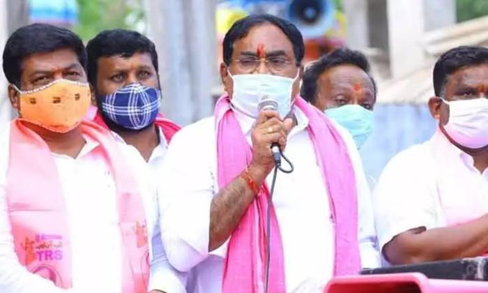 Vijayashanthi Comments On Errabelli-TeluguStop.com