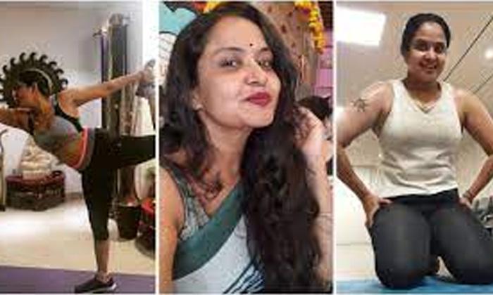 Tollywoood Actress Pragathi Hot Workouts-TeluguStop.com