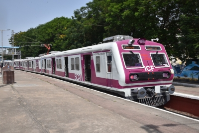 After 15 Months Mmts Trains Return To Hyd Tracks-TeluguStop.com