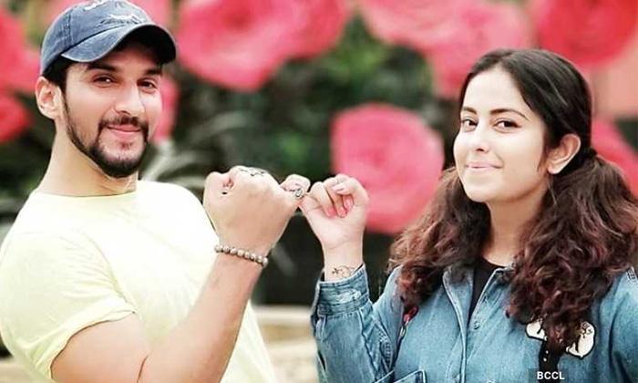 Avika Gor Fire Secret Child Rumours Manish-TeluguStop.com