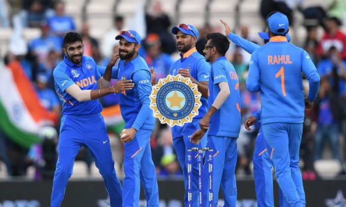 Bcci Bonus Prize Money For Cricketers-TeluguStop.com