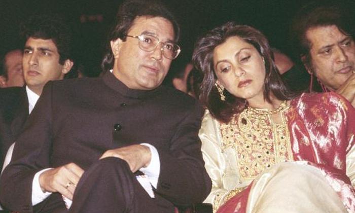 Bollywood Star Actress Dimple Kapadia And Rajesh Khanna Divorce-ఈ హీరోయిన్ తన భర్తతో విడిపోయింది.. కానీ విడాకులు మాత్రం ఇవ్వలేదట….-Latest News - Telugu-Telugu Tollywood Photo Image-TeluguStop.com