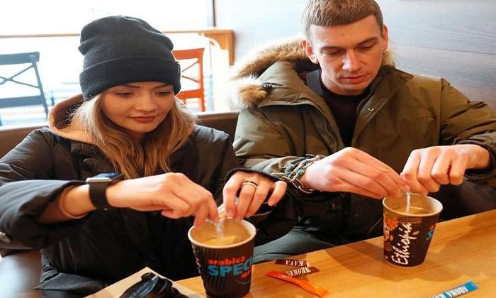 Ukrain Lovers Arrested Themselves For 123 Days-TeluguStop.com