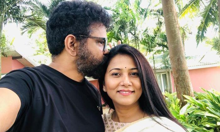Sukumar Special Poetry On Thabitha For Wedding Anniversary-TeluguStop.com