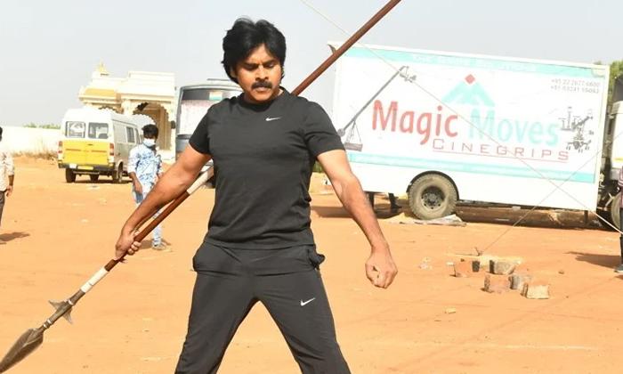 Pawan Kalyan Three Movies Shooting Schedule Fix-TeluguStop.com
