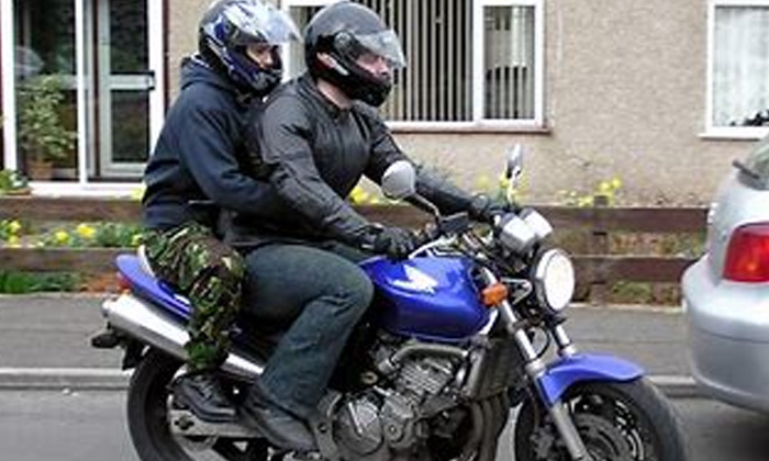 Government Ordered To Wear Only Bis Mark Helmets-TeluguStop.com