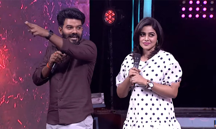 Hyper Aadi And Sudigali Sheer Went Maldives Tour With Priyamani And Poorna In Dhee Show-TeluguStop.com