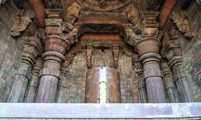 Largest Ancient Shiva Lingam In The World-TeluguStop.com
