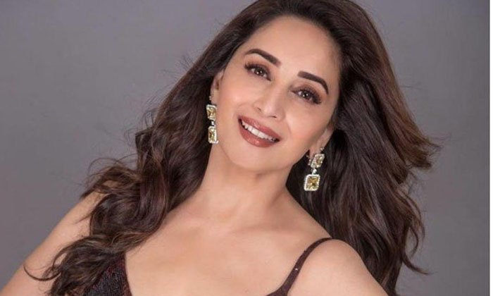 Bollywood Hot Heroine Madhuri Deekshit-TeluguStop.com