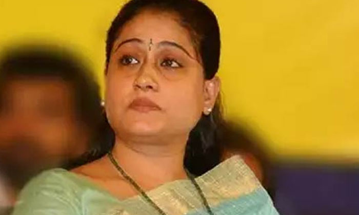 Telangna People Comments On Vijayasanthi Politics-TeluguStop.com