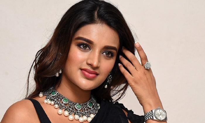 Nidhi Agarwal Movies Is Creating Records On Youtube-యూట్యూబ్ లో రికార్డులు క్రియేట్ చేస్తున్న ఇస్మార్ట్ బ్యూటీ -Latest News - Telugu-Telugu Tollywood Photo Image-TeluguStop.com