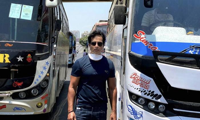 Actor Sonusood Helping For 10 Lakh Members People-TeluguStop.com