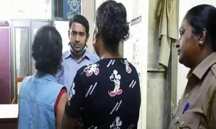 Mumbai Police Arrests 2 Crime Serial Actresses Theft Case-TeluguStop.com