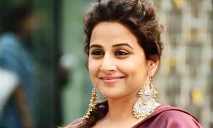 People Told Me I Should Know How To Cook Vidya Balan On Facing Gender Equality-TeluguStop.com