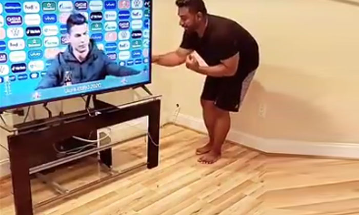 Viral Video Tick Tock User Who Made Good Use Of Football Player Ronald See For Yourself-TeluguStop.com