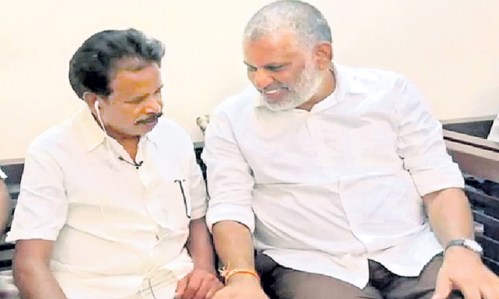 Ycp Mla Chevireddy Bhaskar Reddy Troubled With Anandayya Corona Medicine-TeluguStop.com