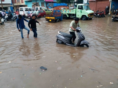 16 Telangana Districts See Flooding Due To Heavy Rains-TeluguStop.com