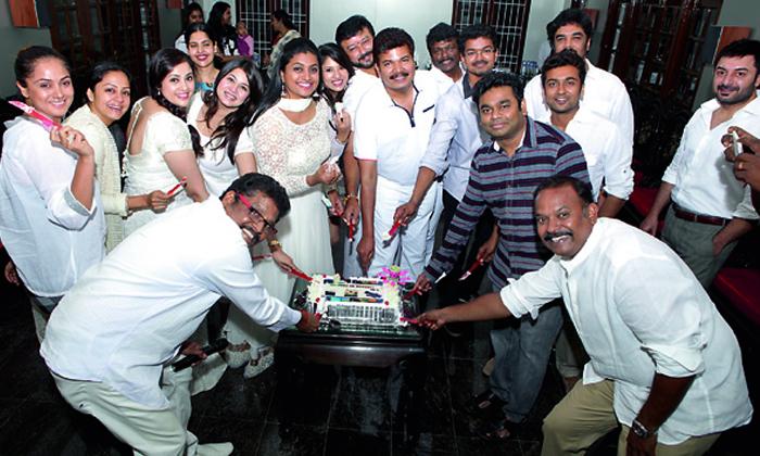 90s Tamil Actors Reunion Party Photo Viral-TeluguStop.com