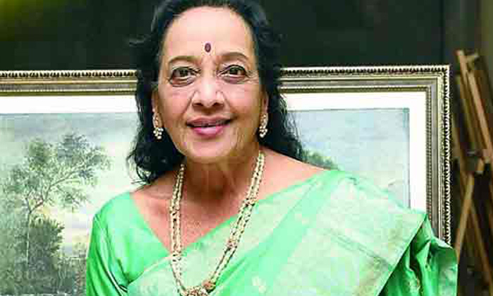 Jamuna Lost Lakhs Of Rupees Because Of Movie Producers-TeluguStop.com