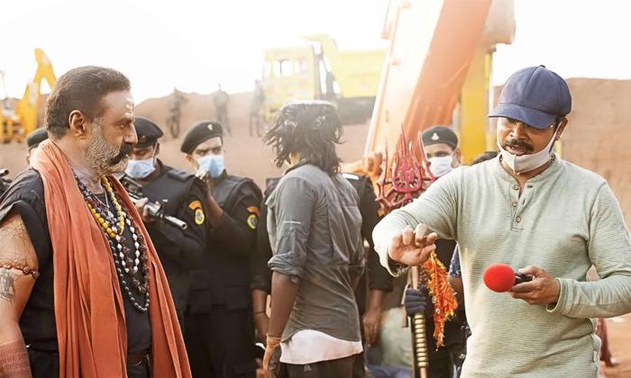 Akhanda Movie Latest Crazy News Balakrishna Jagapathi Babu Role-TeluguStop.com
