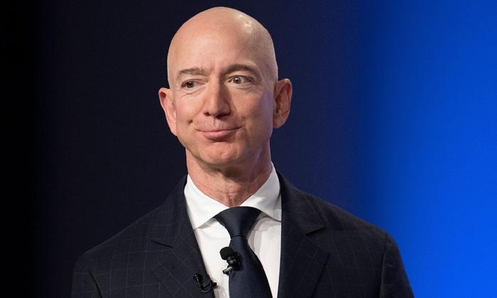 Jeff Bezos Doantes 200 Million Dollars To Recognize Courage And Civility-TeluguStop.com