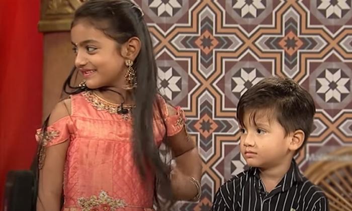 Anchor Rashmi Gautam Funny Jabardasth Conversation Viral-TeluguStop.com