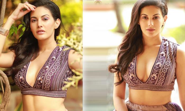 Bollywood Actress Neha Adhvik Mahajan Looks Flawless In This Pictures - Telugu Neha Adhvik Mahajan Age Biography Birthd High Resolution Photo