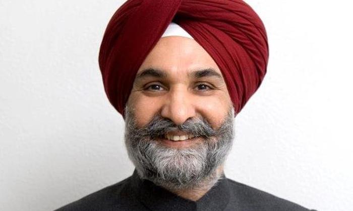 Indias Us Envoy Sandhu Visits Dalip Singh Saund Post Office In California-TeluguStop.com