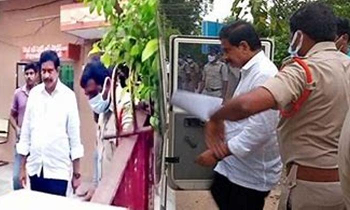 Telugu Ap News, Ap Politics, Arrestes Devineni Uma, Chandrababu, Devineni Uma, Scst Atraciti Case, Tdp, Ycp-Telugu Political News