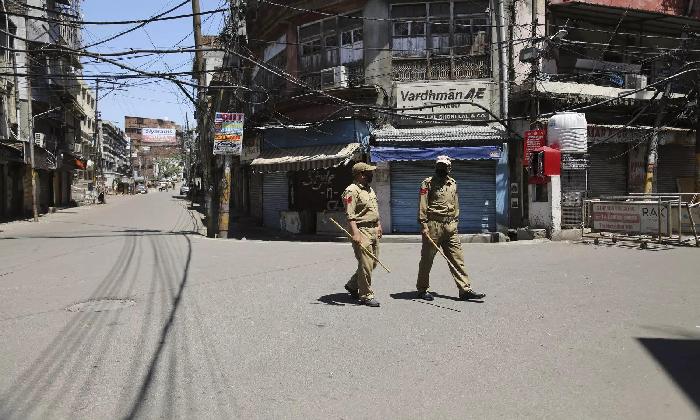 Day Time Curfew Enforced In P.gannavaram Mandal Of East Godavari Dist-TeluguStop.com