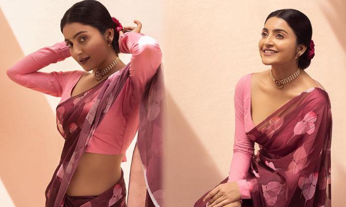 Gorgeous Actress Avantika Viral Pictures-telugu Actress Hot Photos Gorgeous Actress Avantika Viral Pictures - Telugu Mi High Resolution Photo